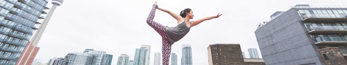 femme-yoga-ville.jpg